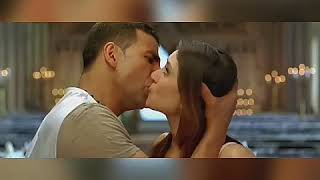 Akshay kisses Bebo