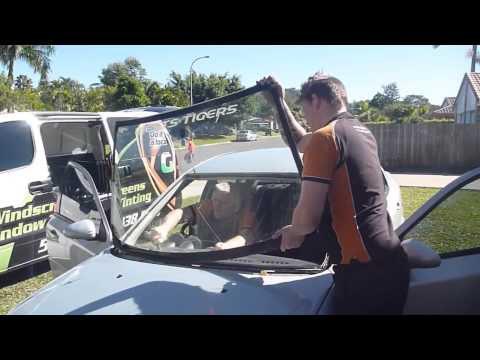 Local Guys Mobile Windscreen Replacement