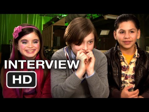 The Sitter Interviews - Max Records, Landry Bender, Kevin Hernandez Movie (2011) HD