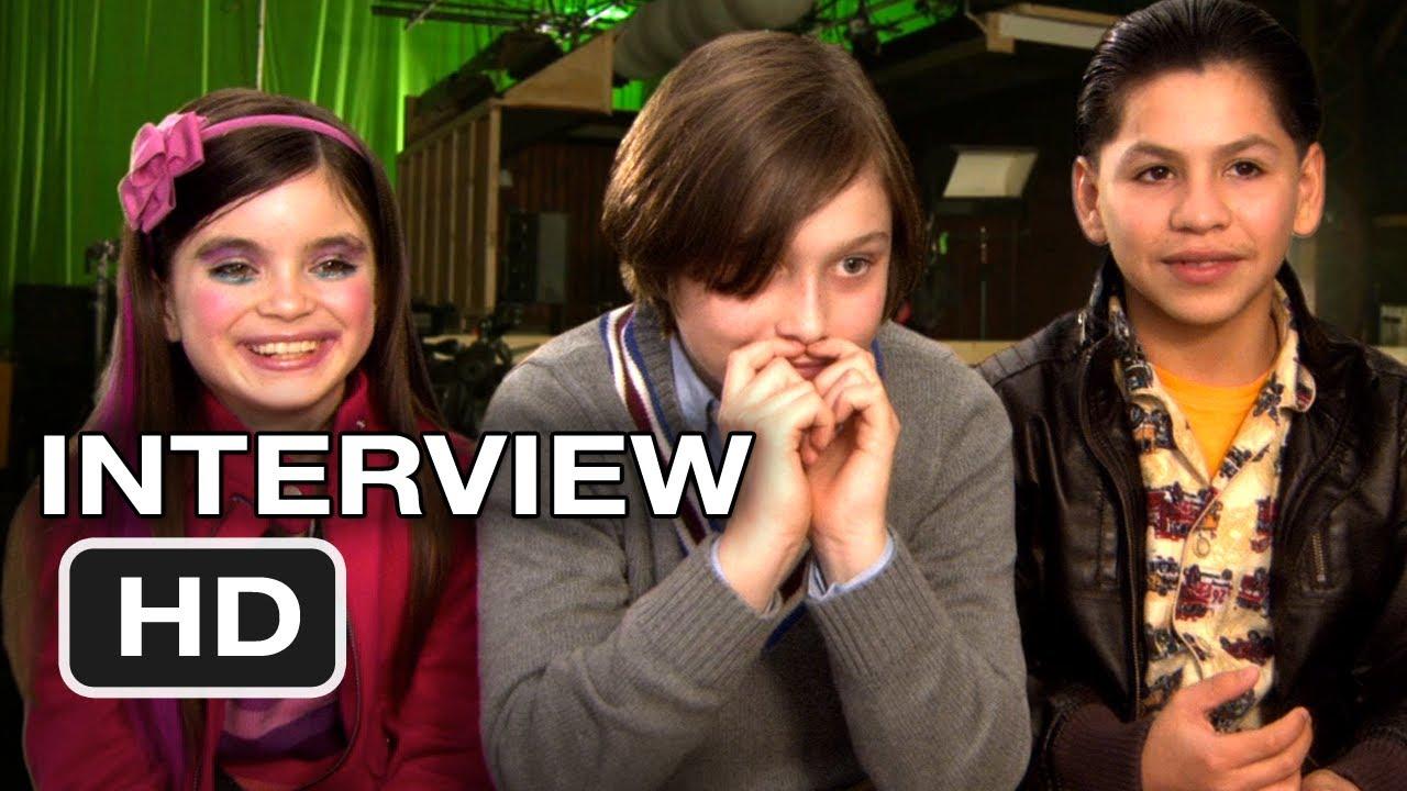 Download The Sitter Interviews - Max Records, Landry Bender, Kevin Hernandez Movie (2011) HD