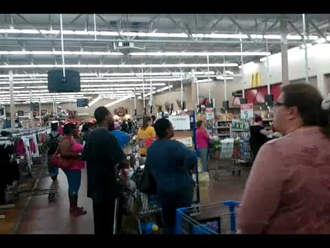 Walmart 103 rd st. Jacksonville,FL,:Friday night and only two lines open,WTF!!!!