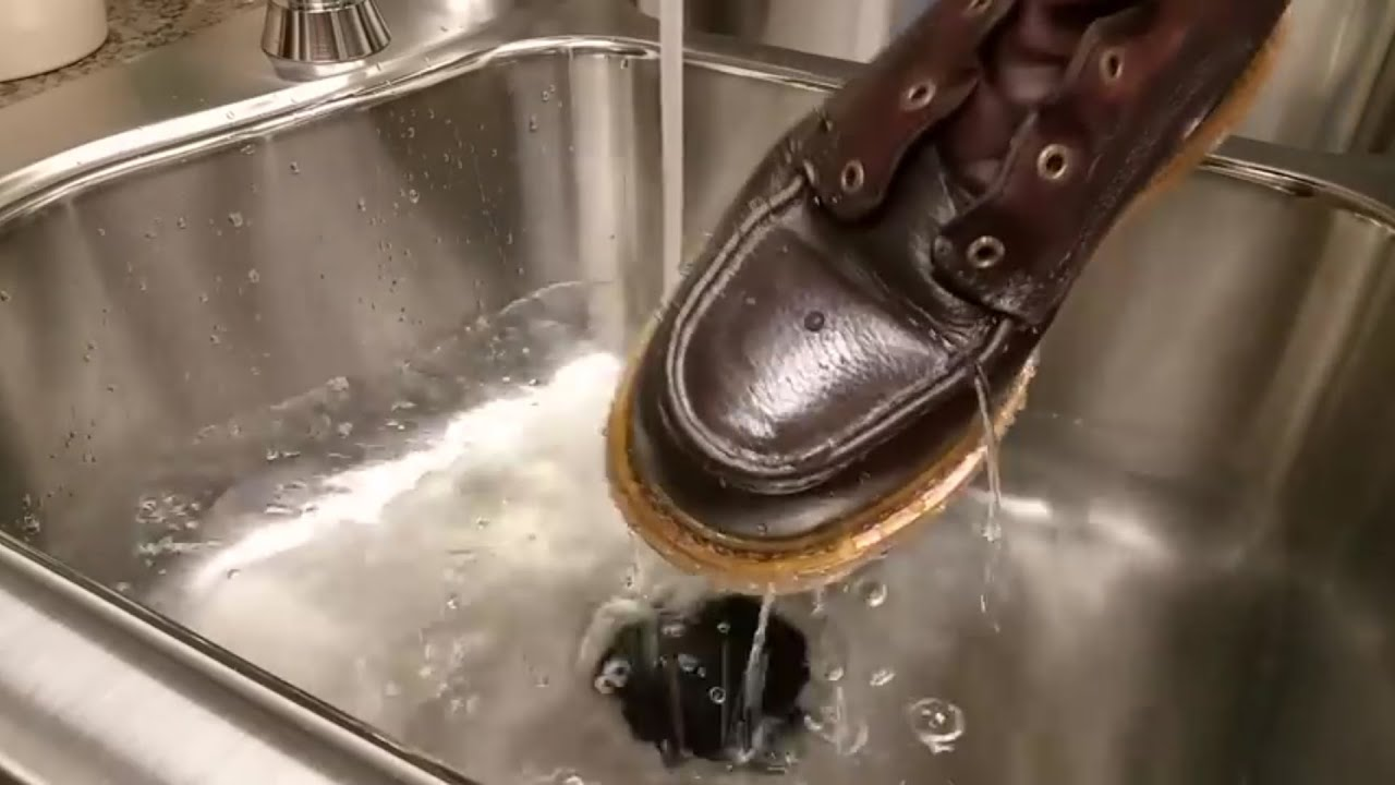 Water Proofing Oil Leather Shoes
