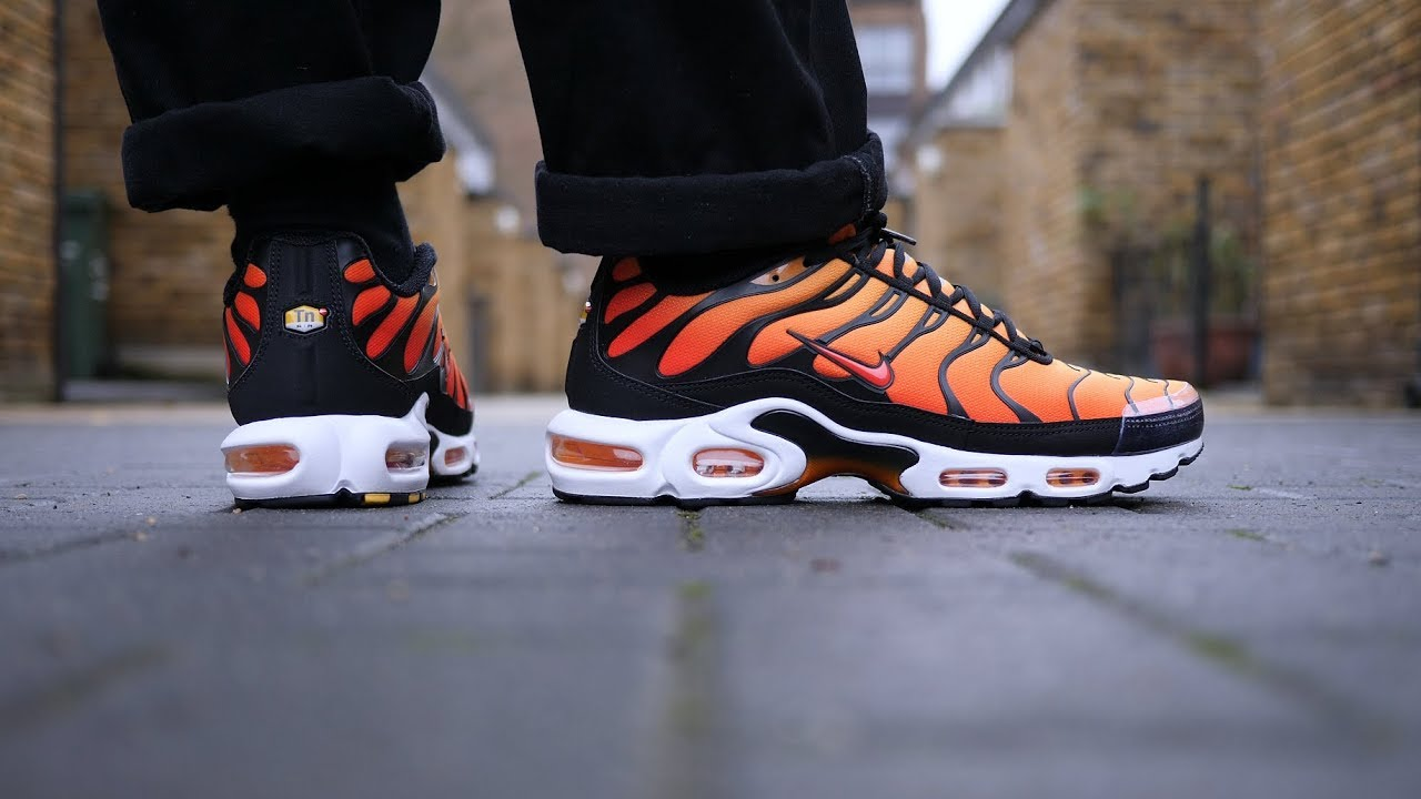 best loved b13e3 4964c Honest - Air Max Plus OG  Sunset  Review   On Feet (Black Pimento)  2018