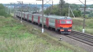 Электропоезда ЭР2 К 1148 и ЭР2К 1078.