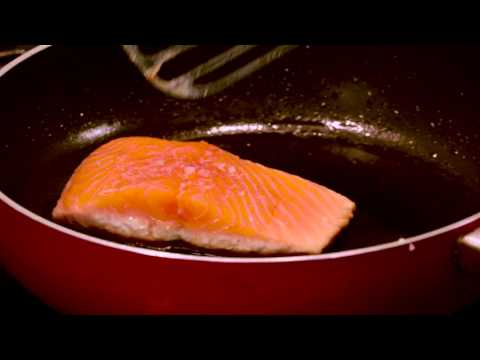 How To Get A Crispy Skin On Fish | Fish & Tip's | Fish For Thought TV