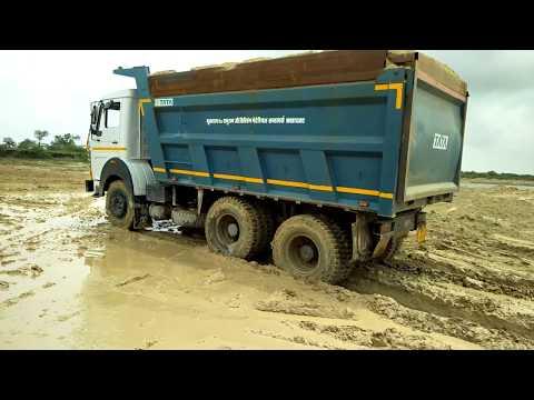 Tata motors Hyva power 2518 in river.बारिश में टाटा मोटर्स का दम ।