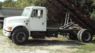 1993 INTERNATIONAL 4700 FLATBED TRUCK