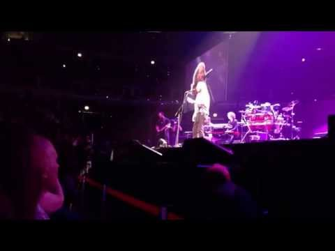 Barry Gibb-How Can You Mend A Broken Heart-United Center- C