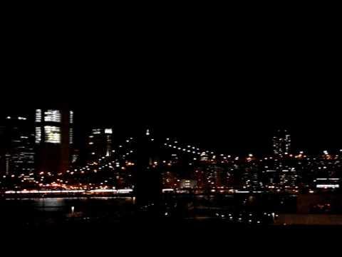 Brooklyn Heights Promenade at night. Downtown Manhattan View. Brooklyn Bridge