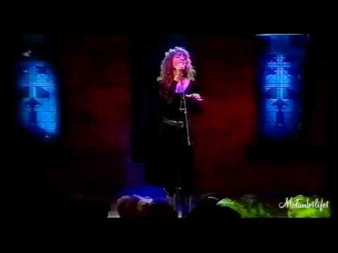 (HD) Mariah Carey - Love Take's Time (Live Top 25 Coundown 1990)