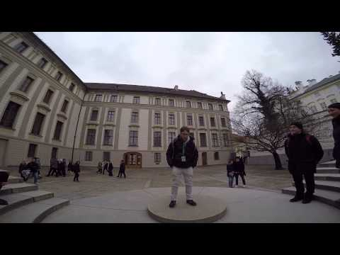 Good Prague Tour Guide - Nicholas Performance
