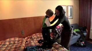 Reima   Mirella ja lapset rukalla