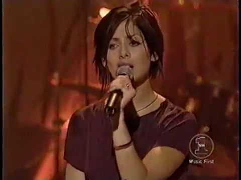 Natalie Imbruglia - Wishing I Was There Live Hardrock Cafe MTV
