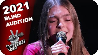 Alec Benjamin - Let Me Down Slowly (Emily) | The Voice Kids 2021 | Blind Auditions