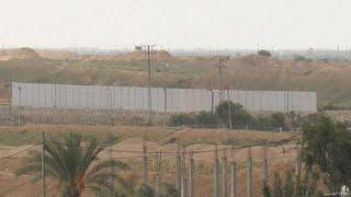 شاهد: مصر تُشيد جداراً جديداً على طول حدودها مع قطاع غزة…