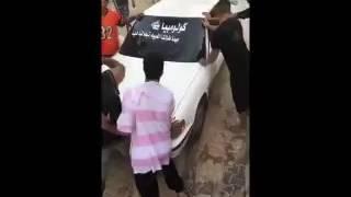 «فيديو جديد» لاعتداء شباب على صاحب مزرعة وتحطيم محتوياتها في الأحساء - صحيفة صدى الالكترونية