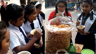 Bangladeshi Students Favorit Street Food pani puri