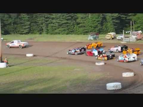 Ricky Davis #43, 13 years old, Albany-Saratoga Speedway Feature #1 6-28-13