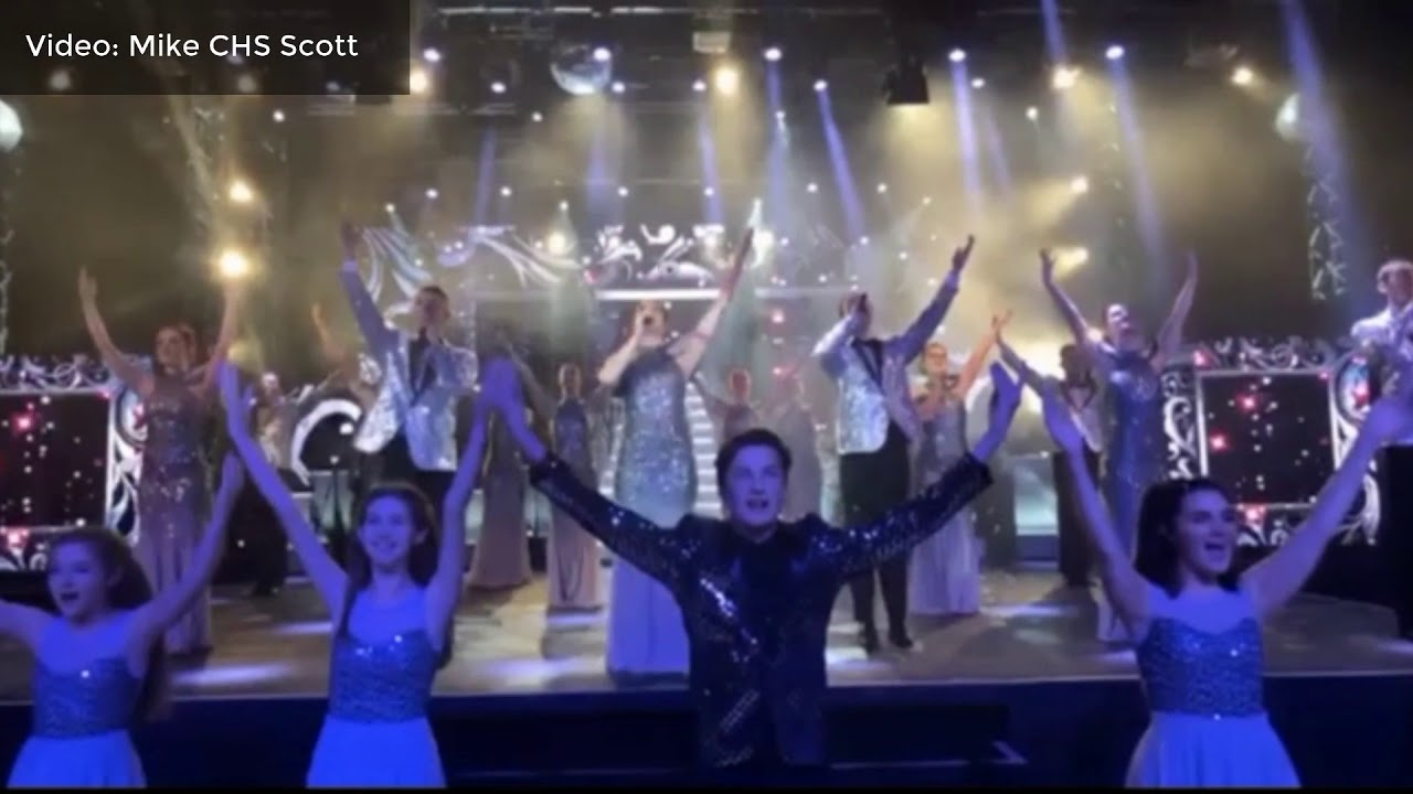 Christmas Spectacular 2017 at Potters Resort - YouTube