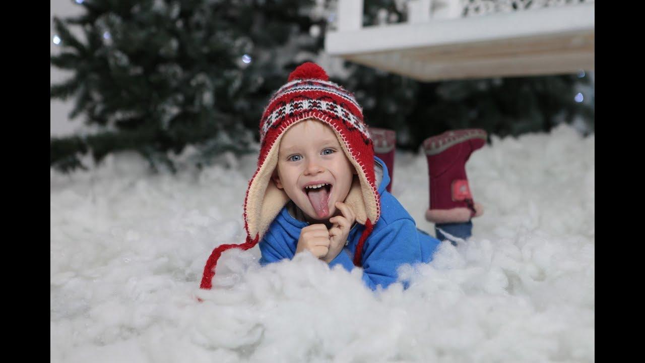 Новогодняя фотосессия Гришки Скрытая камера и Смешные кадры Мальчик позирует ;) [смотреть до конца]
