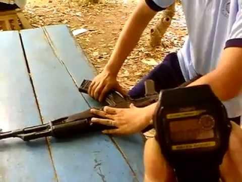 Tháo lắp súng AK-47