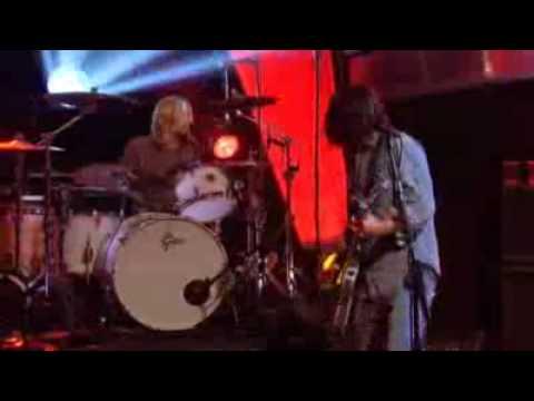 Foo Fighters - Wheels [Live] + Lyrics