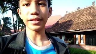 Gambar cover VLOG - Trip to Yogyakarta w/ friends [Part 1] || welcome to Yogyakarta!!