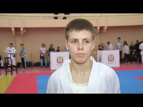 Более 200 спортсменов состязались в первенстве Омской области по каратэ_15.10.19