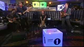 Скачать Coldplay Hurts Like Heaven BBc Live Lounge 27 10 2011