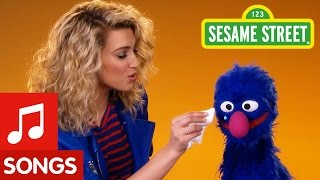 Repeat youtube video Sesame Street: Try a Little Kindness (with Tori Kelly)