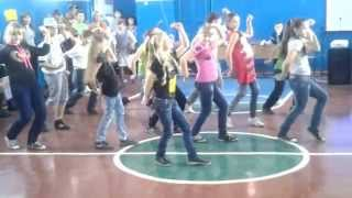 недетское время танец в школе, флеш моб.
