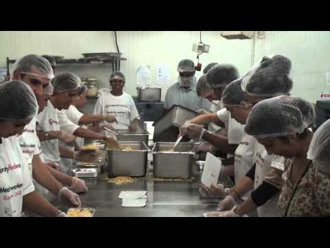 Free meals for Dubai's blue collar workers