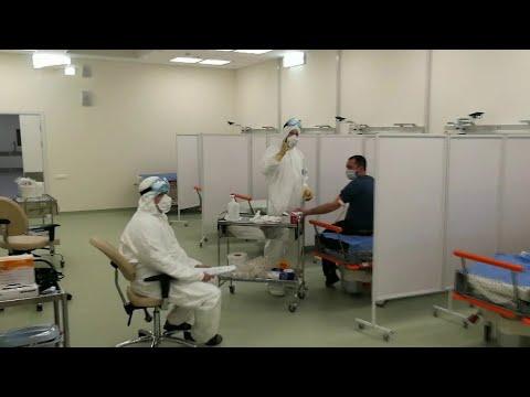 Кадры из больницы в Москве, где создали все условия для тех, кто мог заразиться коронавирусом.