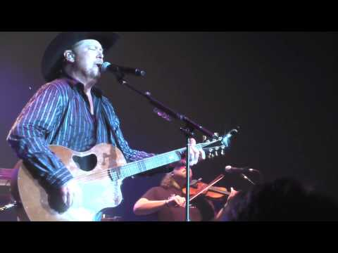 Tracy Lawrence - Find Out Who Your Friends Are (Live)