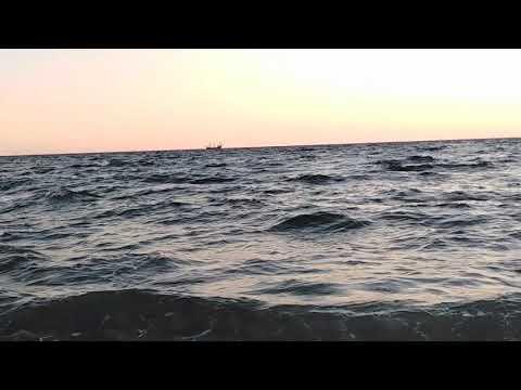 Ветер по морю гуляет и кораблик подгоняет...