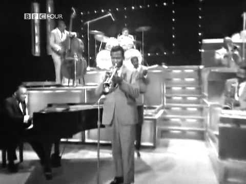 April in Paris - Count Basie and his Orchestra (1965)