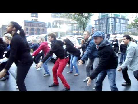 Montreal Flashmob 'Beat It' - Oct 2nd 2011 (Centre Bell)