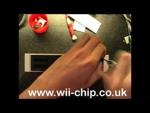 How To Open a Nintendo Wii Console