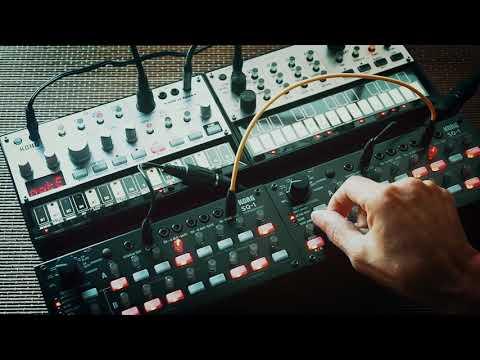 Korg volca bass, volca keys, sq-1,  Minimal music