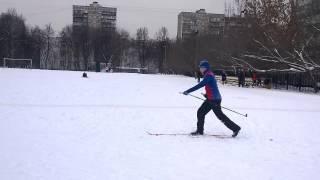 видео Классический лыжный ход. Классификация способов передвижения на лыжах