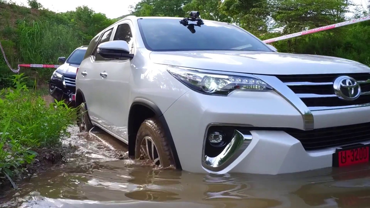 Test Drive Toyota Fortuner 2017 Youtube