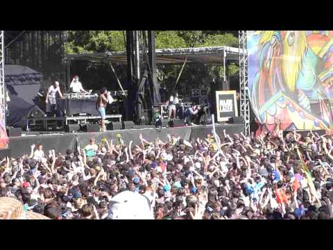 Major Lazer - Pon de Floor & Day O  (Live @ Outside Lands Festival 2011)