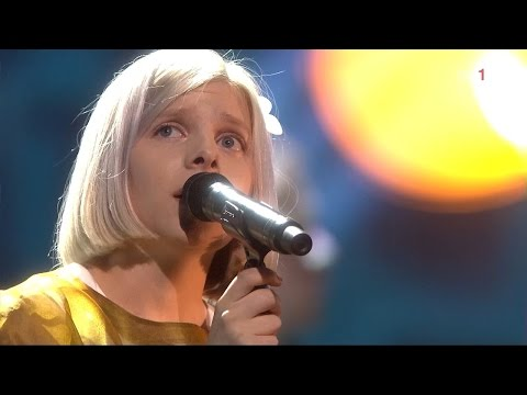 "Aurora - Half The World Away (Live ""The 2015 Nobel Peace Prize Concert"")"
