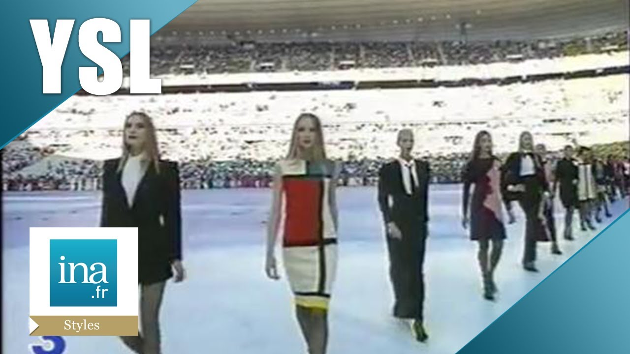 cd3ad5380860d Défilé Yves Saint Laurent au Stade de France   Archive INA - YouTube