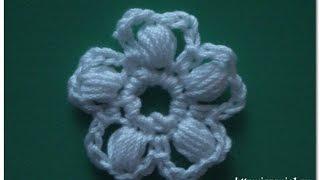 Цветок из пышных столбиков. Ирландское кружево