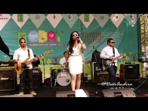 Andira - Wake Up Call (Live at #HaiDay 2013) - @andira_83