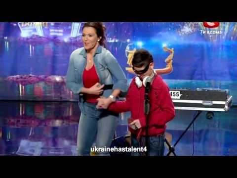 Видео: Украина ма талант слепой мальчик dj зажег весь зал