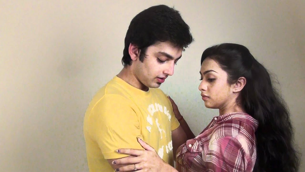 is himansh kohli and abigail jain dating Himansh kohli is 23 years old , born & brought up in delhi india currently he is playing the main lead raghav oberoi opposite abigail jain (sia dhillon) in four lions production humse hai liife (2011) on channel v.