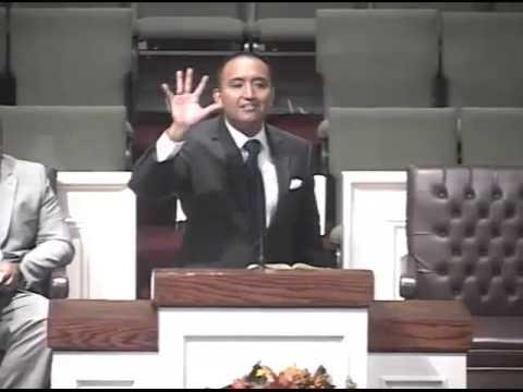 Pastor Rodrigo Garcia - El Cuidado De Dios Acerca Nosotros 9-27-15 Am