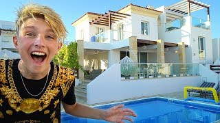 Kid moves into a $1,000,000 Mansion aged 15 *NEW HOUSE TOUR*